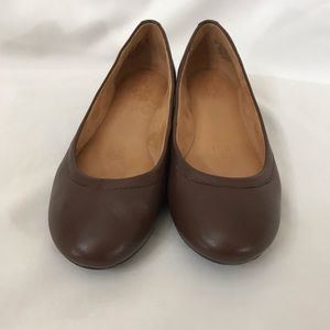 NATURALIZER brown leather flats